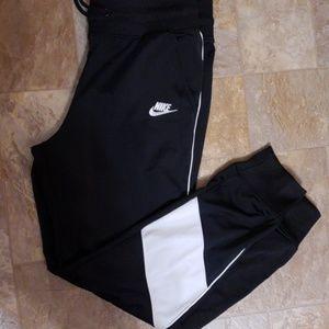 brand new nike pants